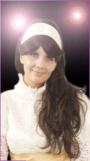 Karen Carpenter Tribute Artist. By top UK soundalike and lookalike Jenny Sinclair
